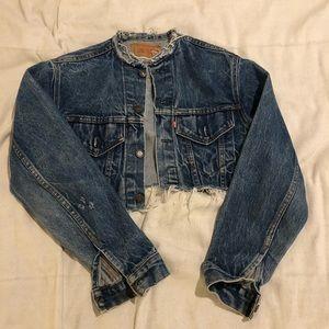 Cropped Levi's jacket